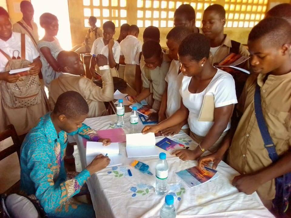 Causerie littéraire au Lycée Bè-Klikamé